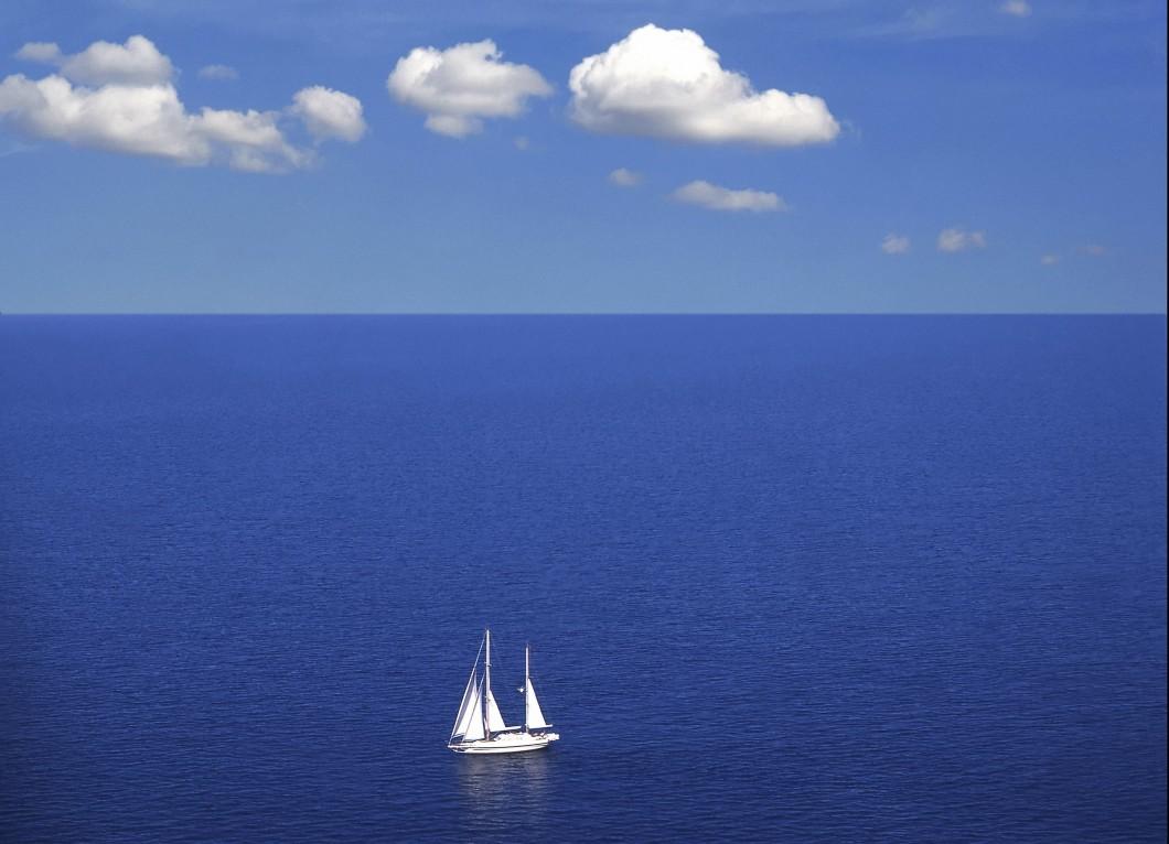 sail-yacht-ocean